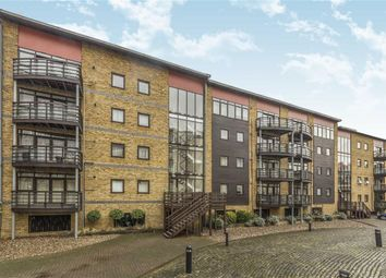 Thumbnail 1 bed flat to rent in Park Street, London