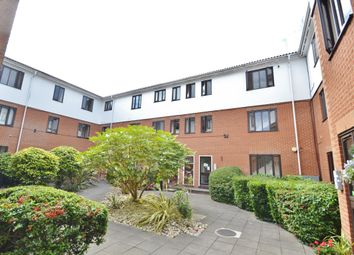 Thumbnail 2 bed flat to rent in Eversholt Court, Lyonsdown Road, Barnet