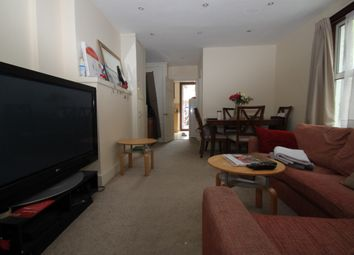 Thumbnail 2 bedroom flat to rent in Dollis Road, Finchley Central