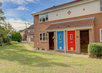 Thumbnail 1 bed flat for sale in Grifon Road, Chafford Hundred, Grays