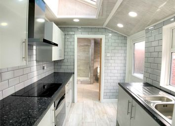 Thumbnail 1 bed flat to rent in Woodplumpton Road, Ashton-On-Ribble, Preston