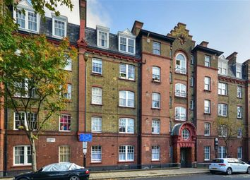 Thumbnail 1 bed flat to rent in Thornhill Road, London