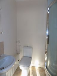 Thumbnail 1 bed flat to rent in Kingsdown Road, Abram