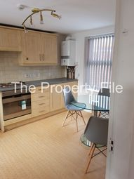 2 bed flat to rent in Brook Road, Fallowfield M14