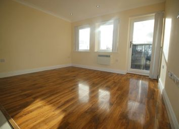 Thumbnail 2 bed flat to rent in High Street, Slough