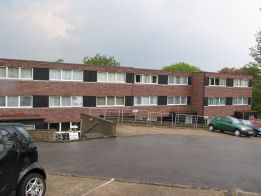 Thumbnail Studio to rent in Eleanor Close, King Henrys Road, Lewes