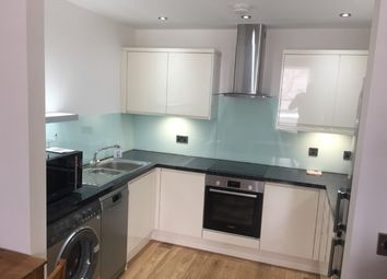 Thumbnail 1 bed flat to rent in Walworth Road, Elephant & Castle, London