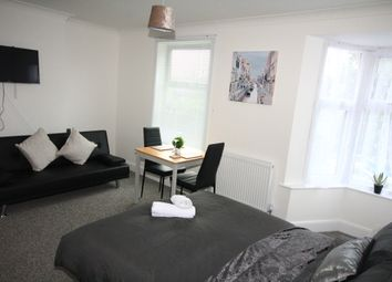 1 bed flat to rent in Ickenham, Uxbridge UB10