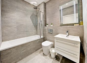 Thumbnail 1 bed flat for sale in Oak House, Harvest Crescent, Fleet