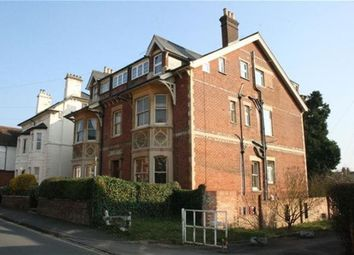 Thumbnail 1 bed flat to rent in Milman Road, Reading