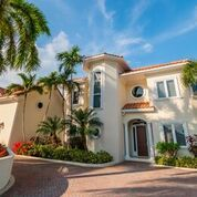 Thumbnail 6 bed villa for sale in Canal Point Family Home, Newhaven Quay, Cayman Islands