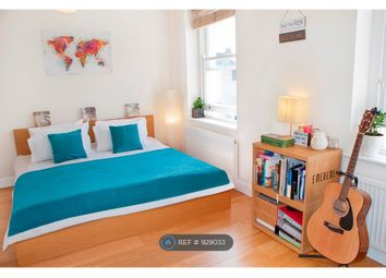 2 bed maisonette to rent in The Crest, Brecknock Road, London N7