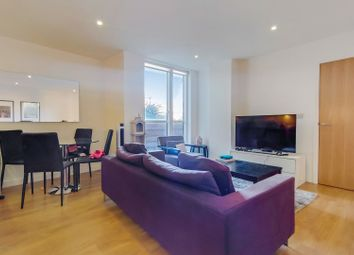 Yeo Street, London E3. 2 bed flat for sale