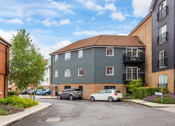 Thumbnail 2 bed flat for sale in Woodland Road, Dunton Green, Sevenoaks
