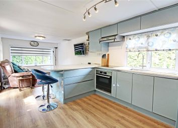 Thumbnail 1 bed mobile/park home for sale in Fangrove Park, Lyne, Chertsey, Surrey