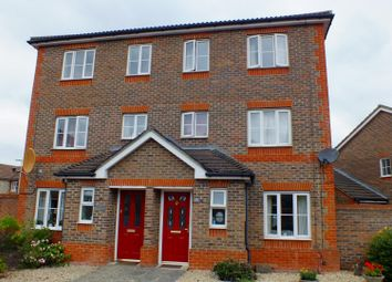 Thumbnail 4 bed town house to rent in Dart Drive, Didcot