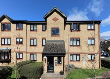 Thumbnail 1 bed flat to rent in Balmoral Road, Watford