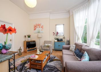 Thumbnail 2 bedroom flat for sale in Doods Road, Reigate