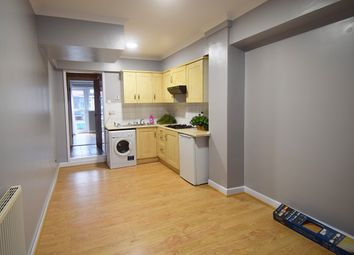 Thumbnail Studio to rent in Costons Avenue, Greenford