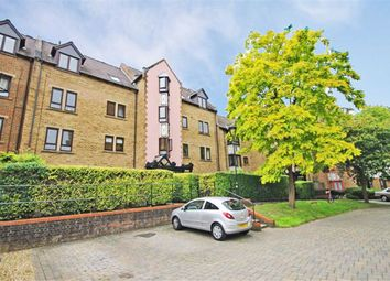1 bed flat to rent in Cloister Close, Teddington TW11