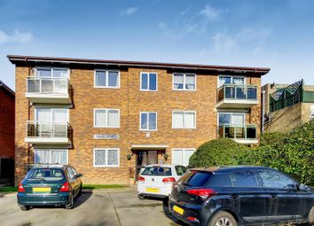 2 bed flat for sale in Albemarle Road, Beckenham BR3