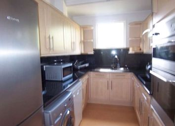 2 bed maisonette to rent in Holyoake Court, Bryan Road, Rotherhithe SE16