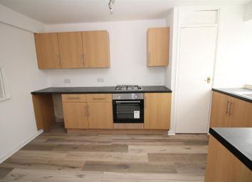 2 bed flat for sale in Wharncliffe Road, Shipley BD18