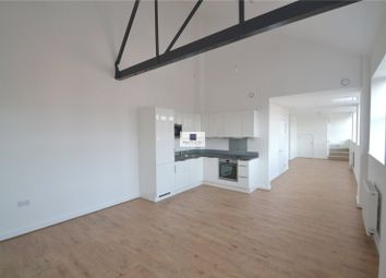 Thumbnail 2 bedroom flat to rent in Whippendell Road Watford Herts