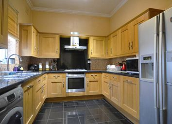 3 bed maisonette to rent in Wandsworth Common West Side, London SW18