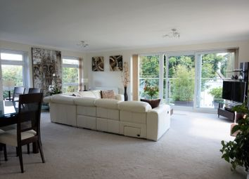 Thumbnail 3 bed flat for sale in Grosvenor Drive, Maidenhead