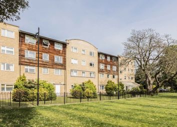 2 bed property for sale in Macmillan Way, London SW17