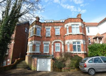2 bed flat to rent in Amersham Hill, High Wycombe HP13