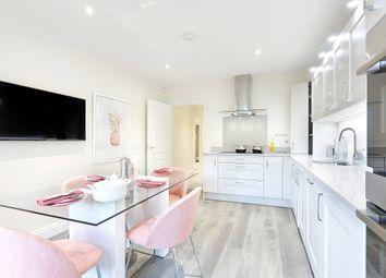 Huxley Close, Godalming, Surrey GU7. 3 bed flat