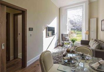 Thumbnail 1 bedroom flat to rent in Kensington Gardens Square, Bayswater