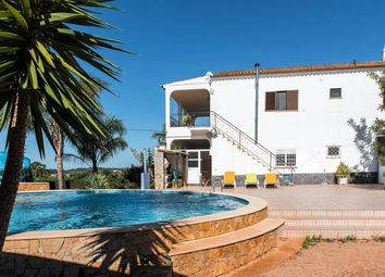 Thumbnail 6 bed villa for sale in Portugal, Algarve, Moncarapacho