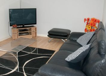 2 bed flat to rent in Union Glen, Aberdeen AB11