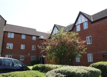 Thumbnail 1 bed flat to rent in Charnwood House, Rembrandt Way, Reading, Berkshire