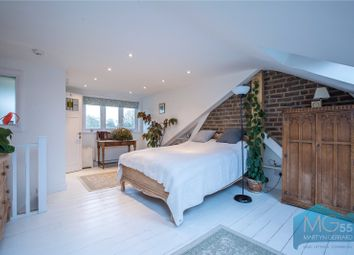 Thumbnail 5 bed terraced house for sale in Long Lane, East Finchley, London