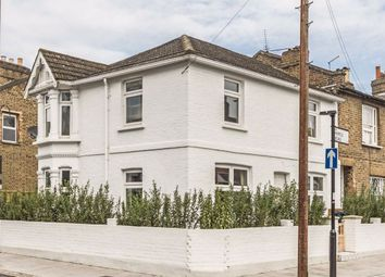 3 bed property for sale in Myrtle Road, London W3