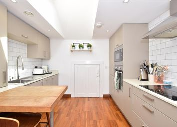 2 bed flat for sale in Hall Road, Aylesford, Kent ME20