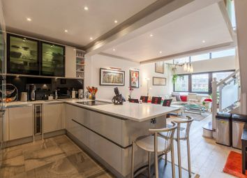 2 bed maisonette to rent in Baltic Quay, Canada Water, London SE16