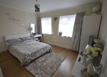 Thumbnail 1 bed flat to rent in Station Road, Rainham, Gillingham