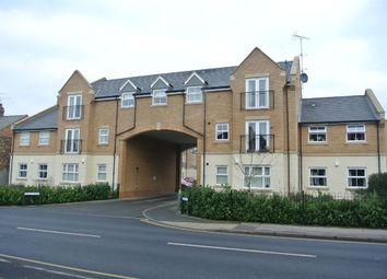 Thumbnail 2 bed flat for sale in Eagle Close, Leighton Buzzard, Bedfordshire