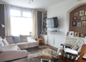 Thumbnail 2 bed property to rent in Bell Street, Barry