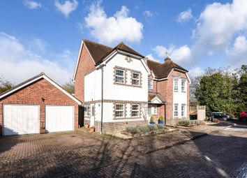 Thumbnail 6 bed detached house for sale in Chilterns End Close, Henley On Thames