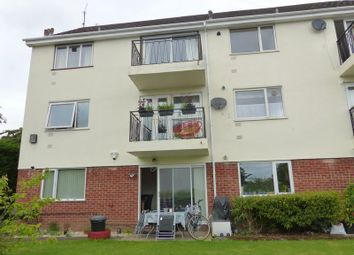 Thumbnail 2 bedroom flat for sale in Wiltshire Road, Marlow