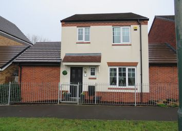 3 bed link-detached house for sale in St Martins Close, Bacons End, Birmingham B36