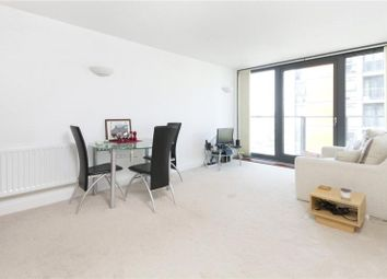 Thumbnail 1 bed flat to rent in Proton Tower, 8 Blackwall Way, Canary Wharf, London