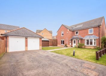 Thumbnail 4 bed detached house for sale in Kingfisher Place, Dunfermline