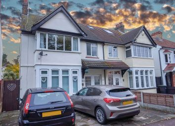 Thumbnail 1 bed flat to rent in Hadleigh Road, Leigh-On-Sea